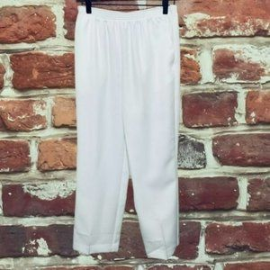 ALFRED DUNNER SOLID WHITE PULL ON WOMENS PANTS